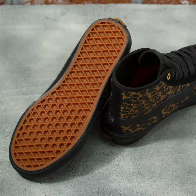 シェール ストロベリー × ヴァンズ スケート SK-8 ハイ デコン cher-starauberry-vans-skate-sk8-hi-decon-cheetah-VN0A5KYB9CY-sole