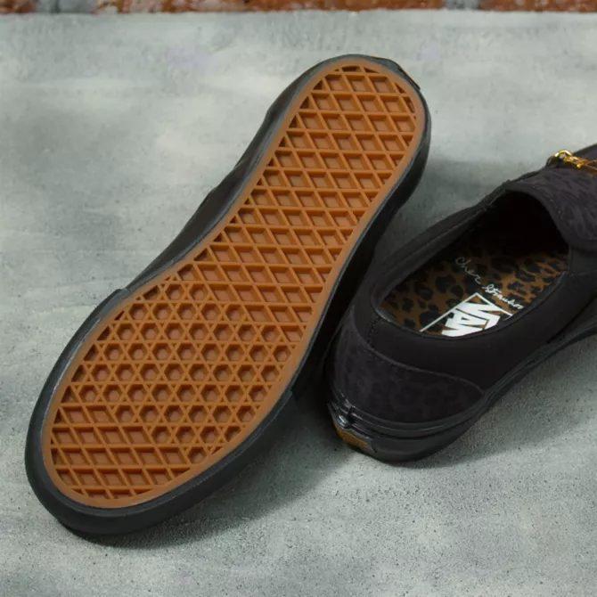 シェール ストロベリー × ヴァンズ スケート スリッポン cher-strauberry-vans-skate-slip-on-cheetah-VN0A5FCA9CY-sole