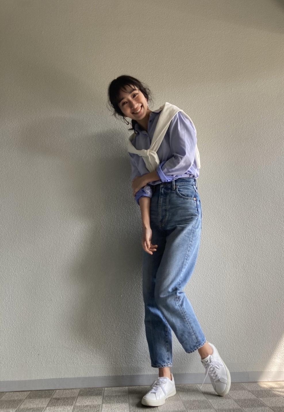 休日カジュアルコーデ veja-sneakers-ladys-style-casual