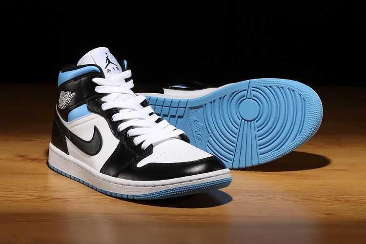 6月7日発売【Nike WMNS Air Jordan 1 Mid 】