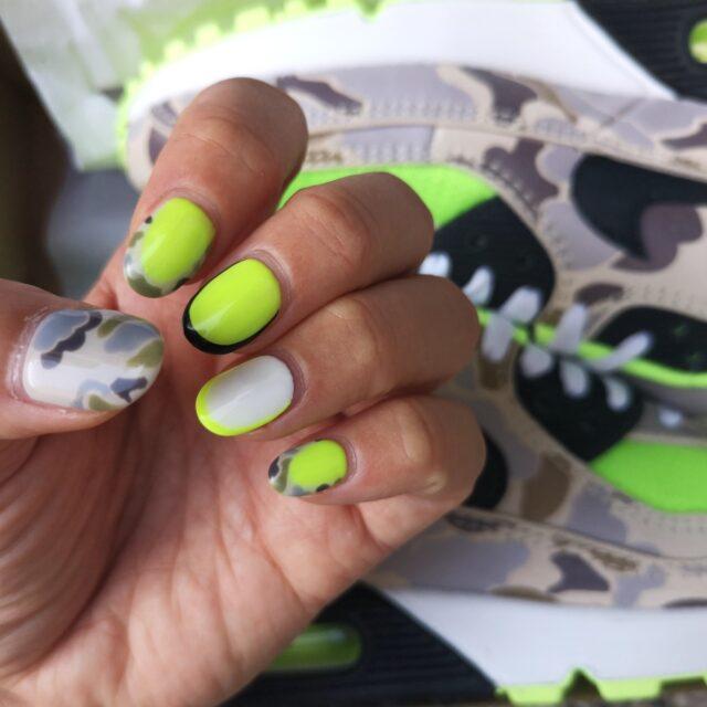 Nail-and-Sneakers_air-max_neon_kamo_green_4