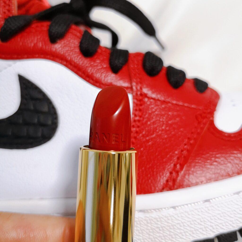 ナイキ エア ジョーダン 1 サテン スネーク シカゴ Nike Air Jordan 1 Satin Snake Chicago with Chanel Red Lipstcisk