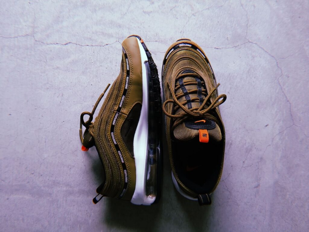 Undefeated x AM97_SNKRGIRL_1