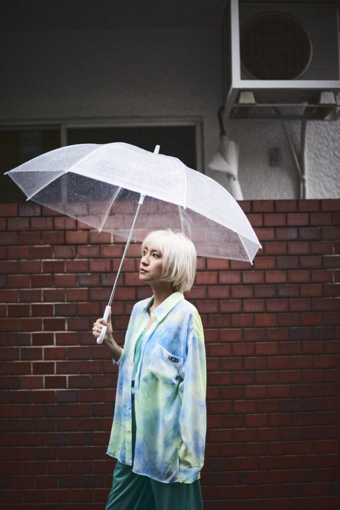 伊東楓 x UGG@mos ROOM WEAR kaede-ito-ugg-atmos-room-wear-collaboration-look-15