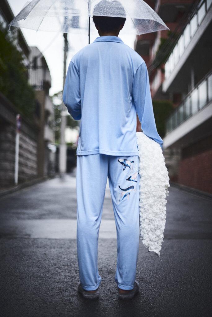 伊東楓 x UGG@mos ROOM WEAR kaede-ito-ugg-atmos-room-wear-collaboration-look-4