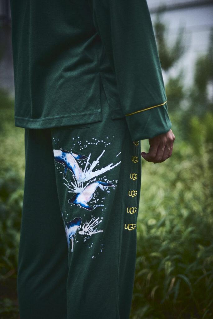 伊東楓 x UGG@mos ROOM WEAR kaede-ito-ugg-atmos-room-wear-collaboration-look-9