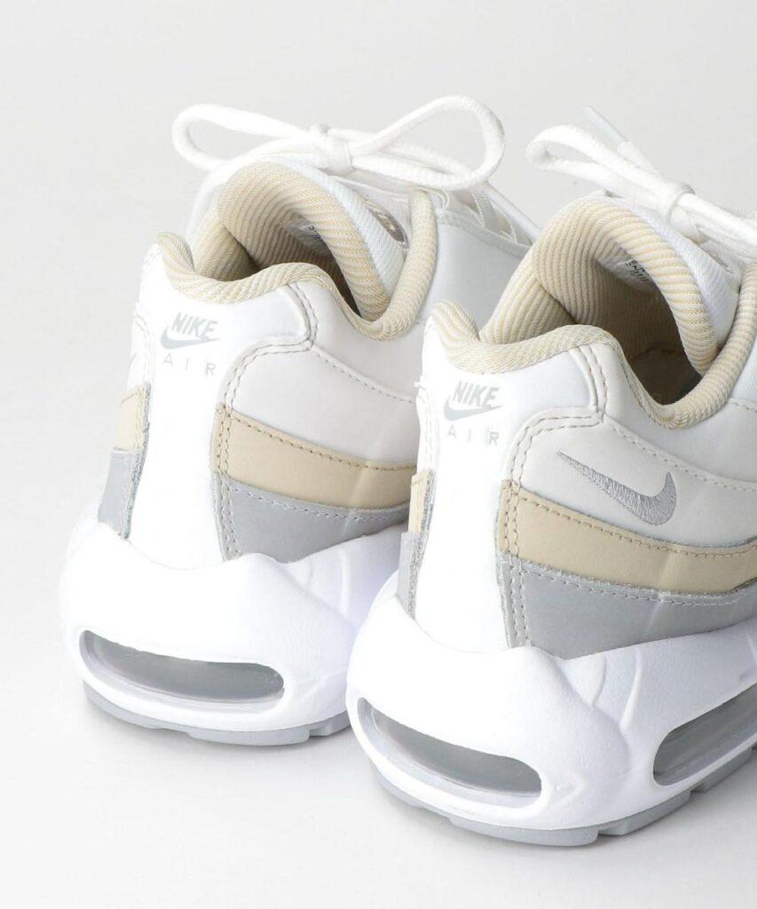 Nike WMNS Air Max 95 ホワイト/ウルフグレー nike-wmns-air-max-95-DA8731-100-look-2