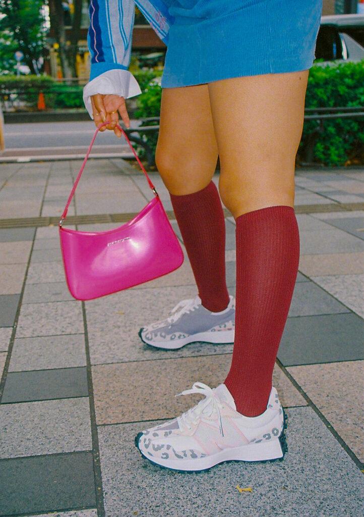 アトモス ピンク X ガール ニューバランス コラボ 327 ヒョウ柄 atmos pink x X-girl x New Balance WS327 image-03