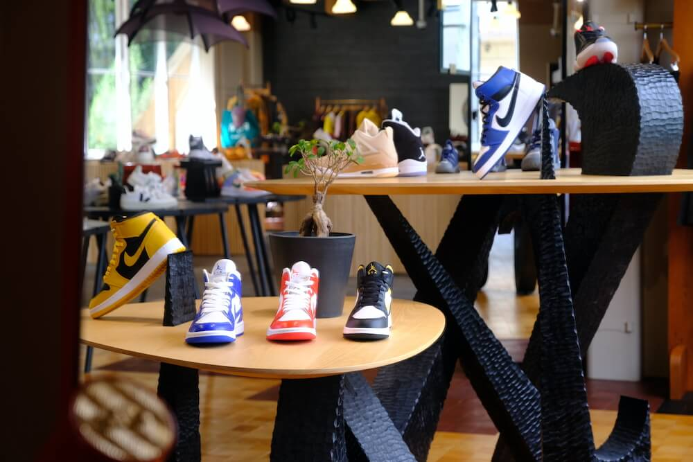 sneakersnstuff_shop_info_26